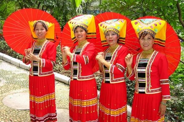 Национальная Одежда Оаэ Фото
